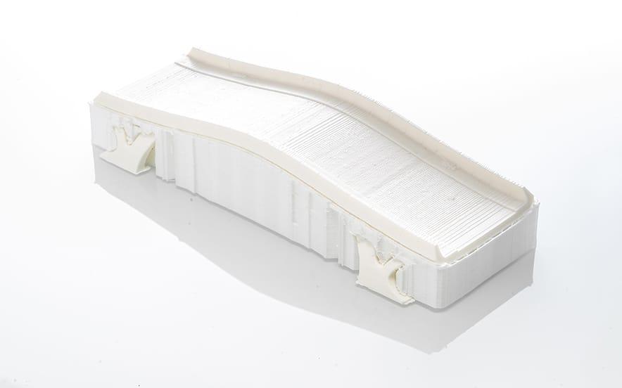 Un modelo con material de soporte