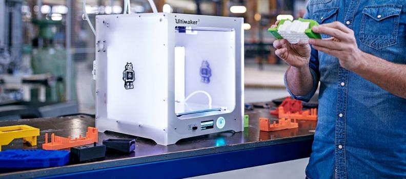Novedades para las Ultimaker: el material de soporte Breakaway y el núcleo de impresión AA de 0.25 mm ya se encuentran disponible.